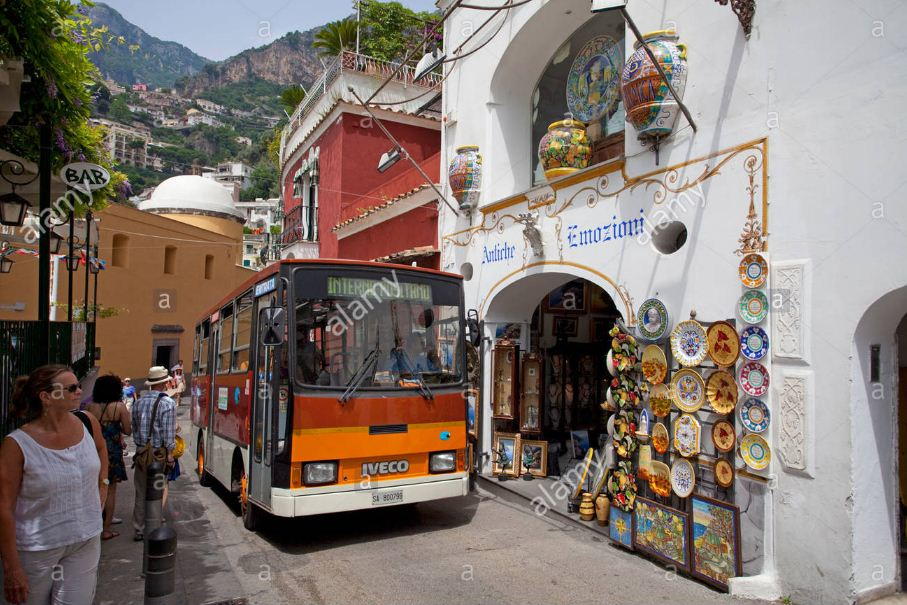 bus positano and souvenir shop