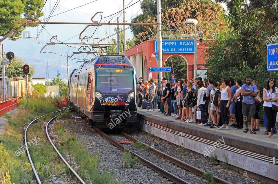 train from naples to sorrento