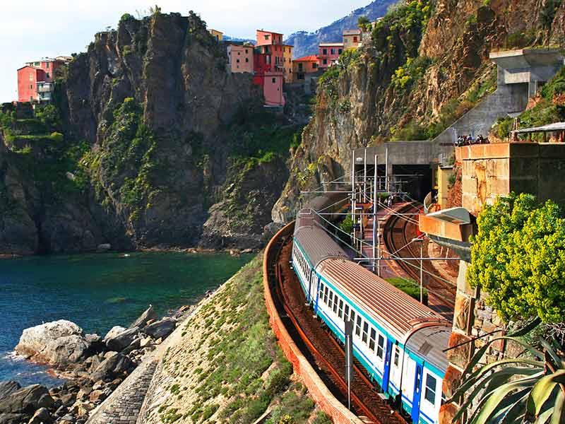 Guide-to-Manarola-Train-Station-(Cinque-Terre)-OFW