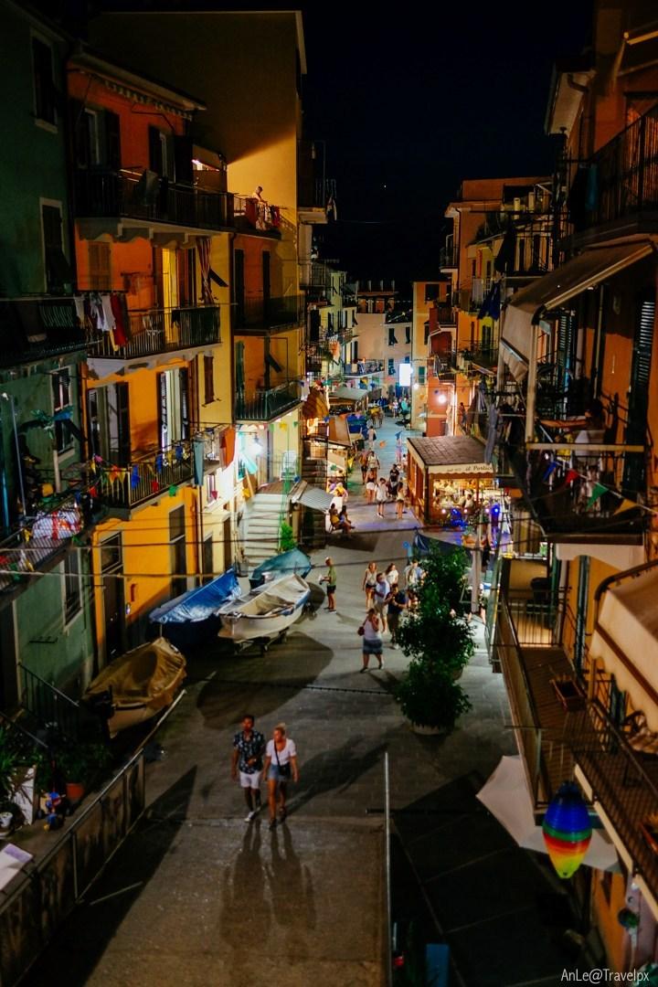 Manarola street at night