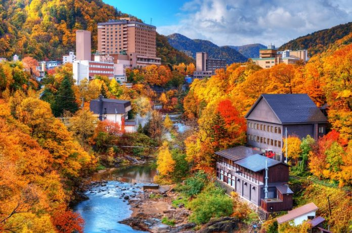 Sapporo has no rain in summer, the temperature is usually around 25 degrees Celsius and above, below 15 degrees Celsius in the late spring and early autumn.