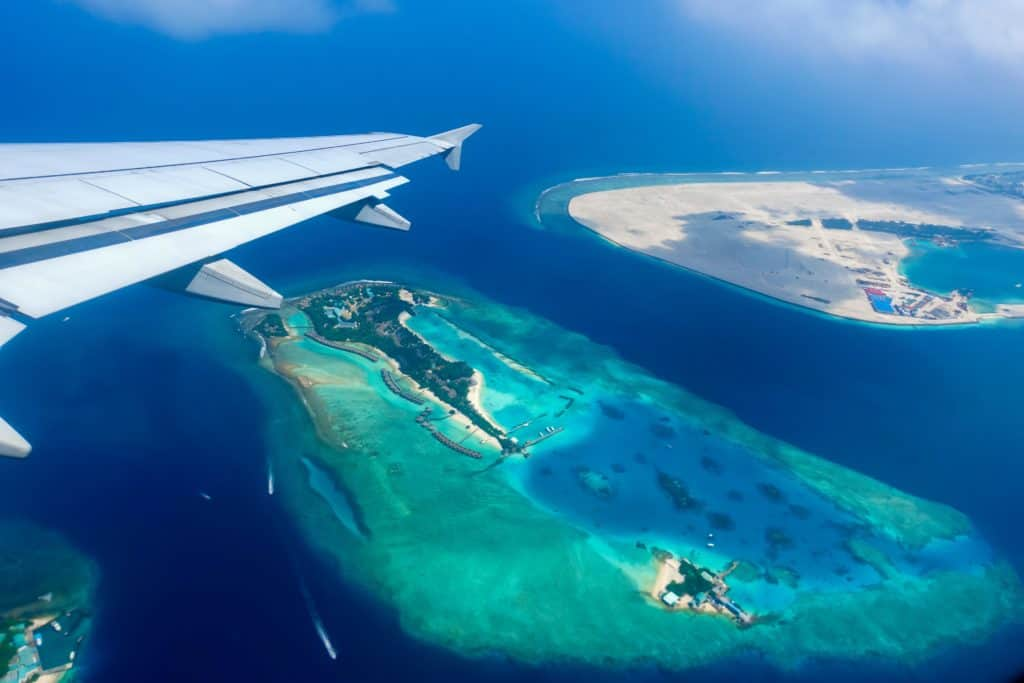 Best-Ways-to-Fly-to-the-Maldives-1024x683