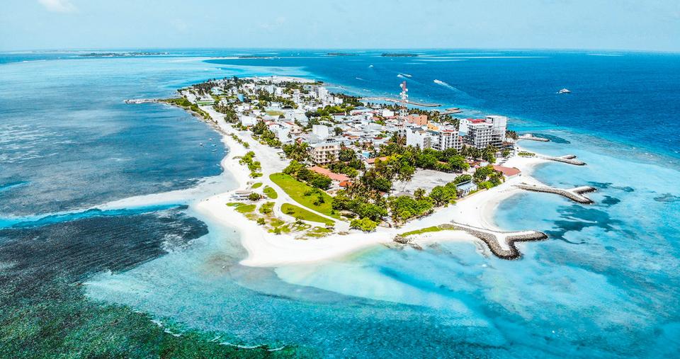 Maafushi Island maldives budget travel blog,maldives blog,maldives travel blog,maldives travel guide,maldives visitor guide