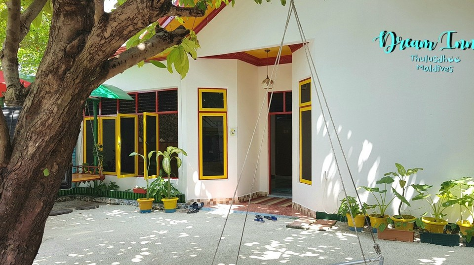 Maldives_local_guesthouse_Thulusdhoo_Dream_Inn-20181201_143937