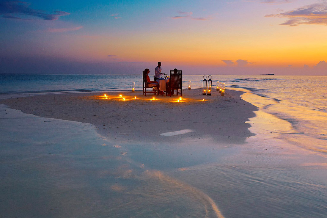 Sandbank Dining at Baros Maldives