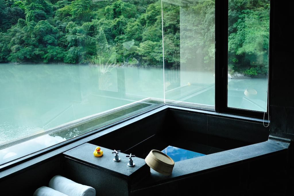 volando hot springs resort private bath1