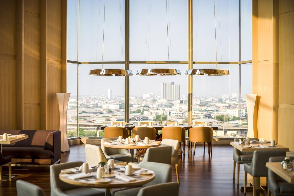Avani+ Riverside Bangkok Hotel (4)