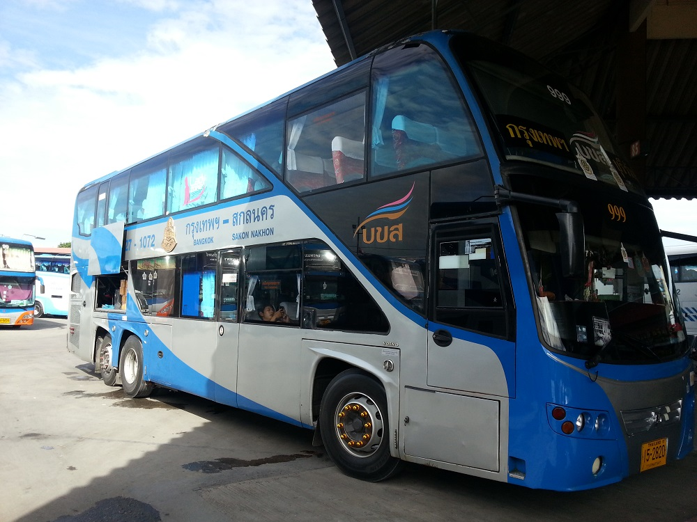 Double decks bus