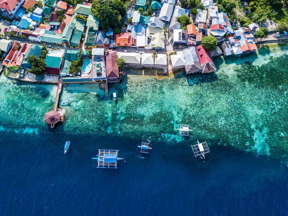 Oslob-Cebu-Philippines,cebu island travel guide,cebu travel blog,cebu travel guide,cebu trip blog
