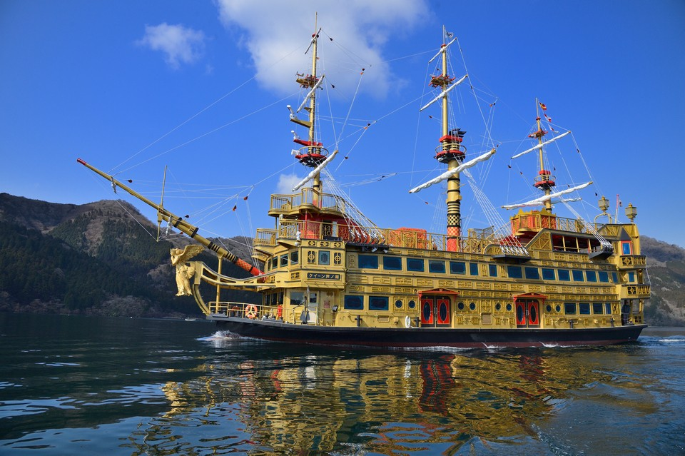 Queen-Ashinoko-Sightseeing-Cruise-in-Hakone-Top-10-Places-to-Visit-in-Hakone