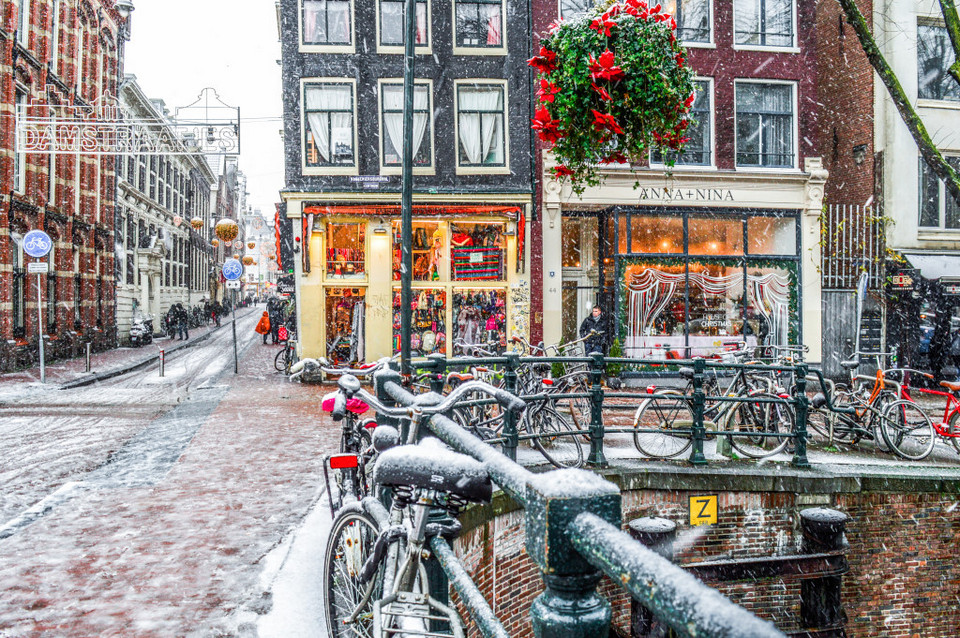 Snow in the streets of Amsterdam,amsterdam blog,amsterdam travel blog,amsterdam travel guide blog,amsterdam city guide