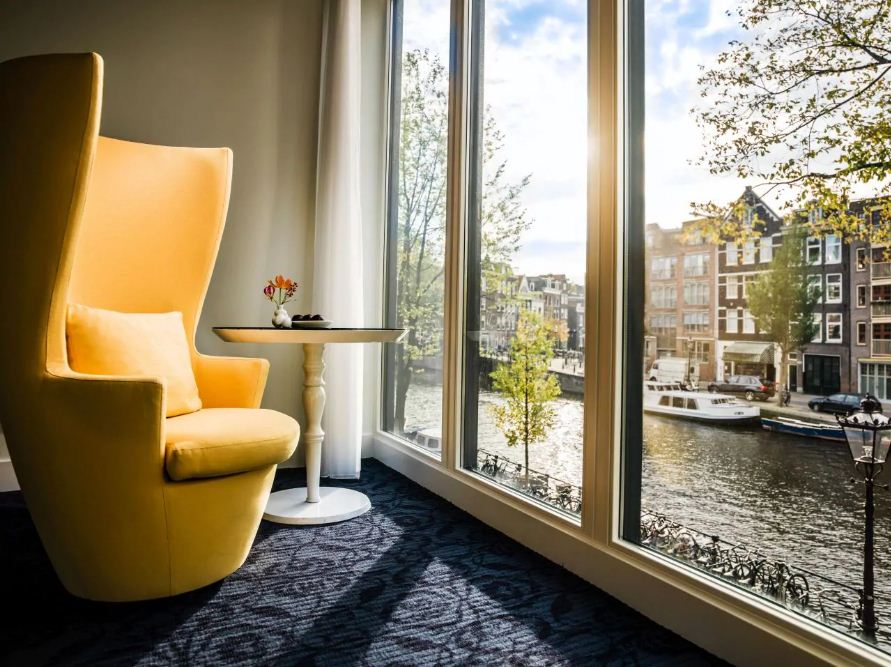 amsterdam canal view room