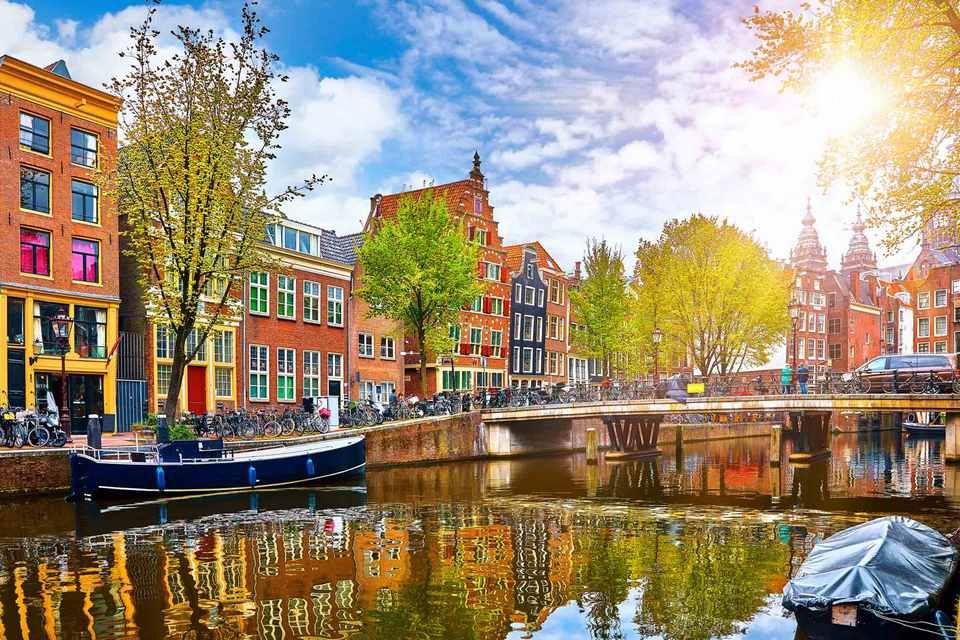 summer-amsterdam-FP,amsterdam blog,amsterdam travel blog,amsterdam travel guide blog,amsterdam city guide