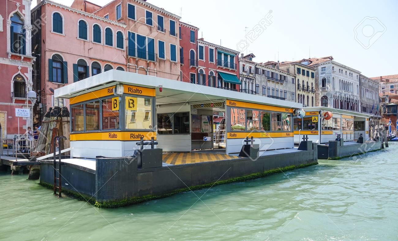 Waterbus Stop Rialto in Venice - ACTV Waterbus