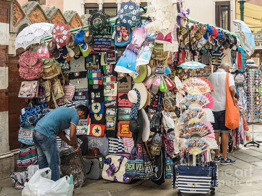 small-street-shop-venice-italy-sasha-samardzija