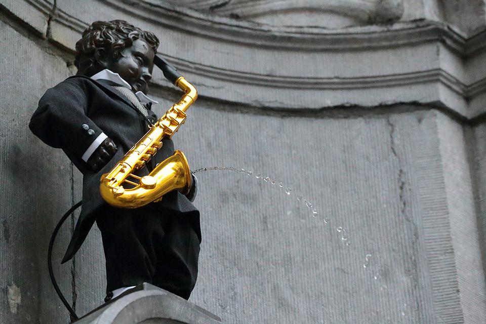 Manneken-pis-saxophone-001