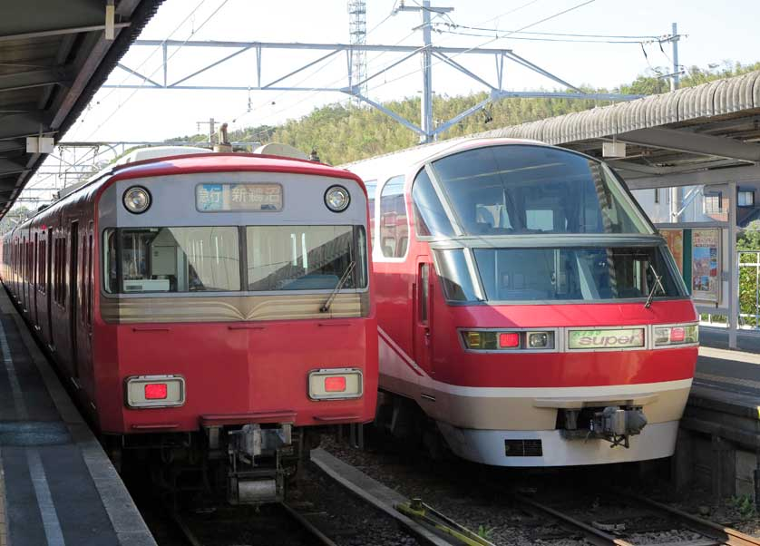 Meitetsu trains in Nagoya
