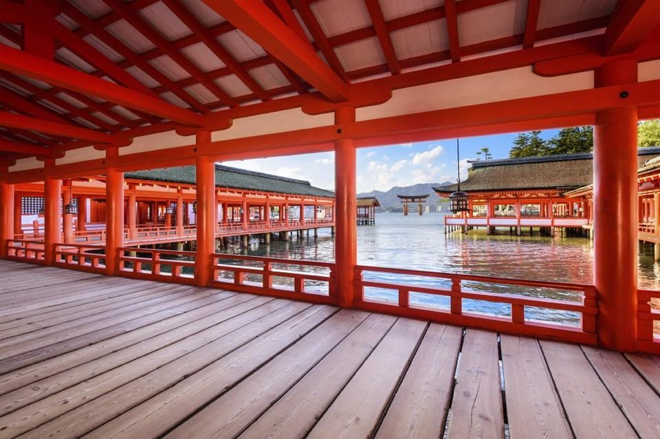 Miyajima Island & Itsukushima Shrine,hiroshima Travel Blog