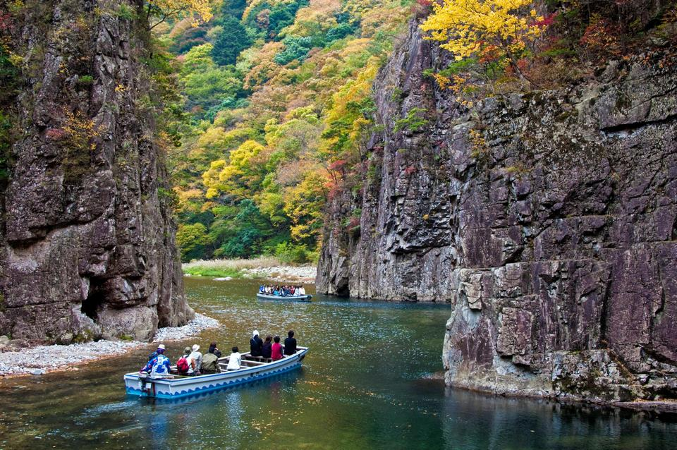 Sandankyo Gorge in autumn