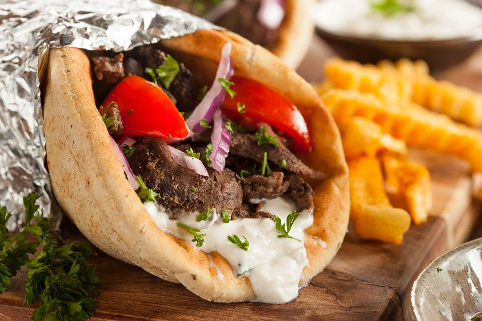 athens gyros,athens travel blog (1)