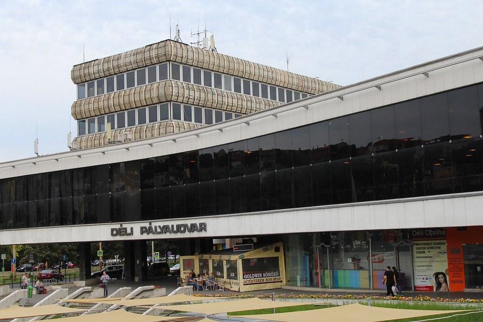 Déli Pályaudvar Station