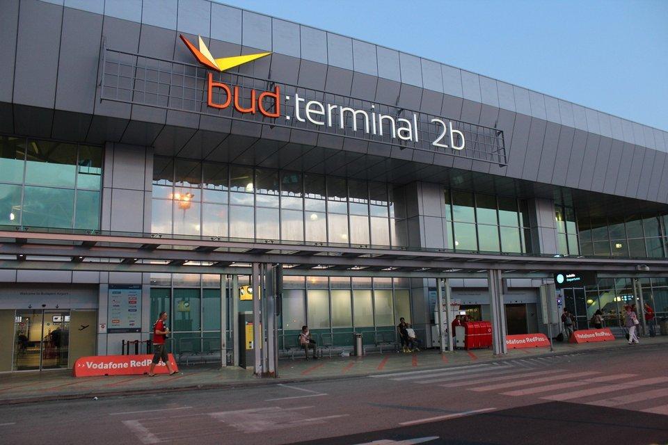 budapest airport terminal 2b