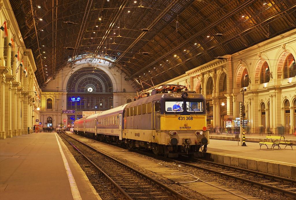 budapest-keleti-train-station-1024x691