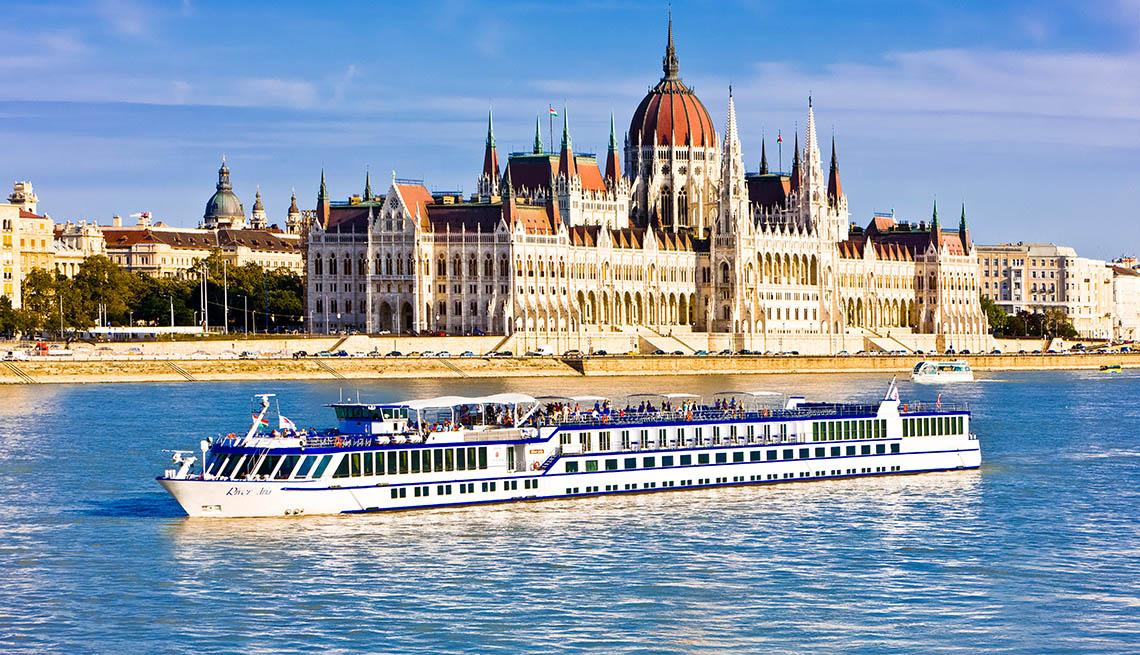 | budapest travel blog