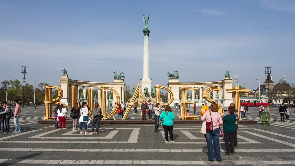 Heroes' Square,budapest travel blog (1)