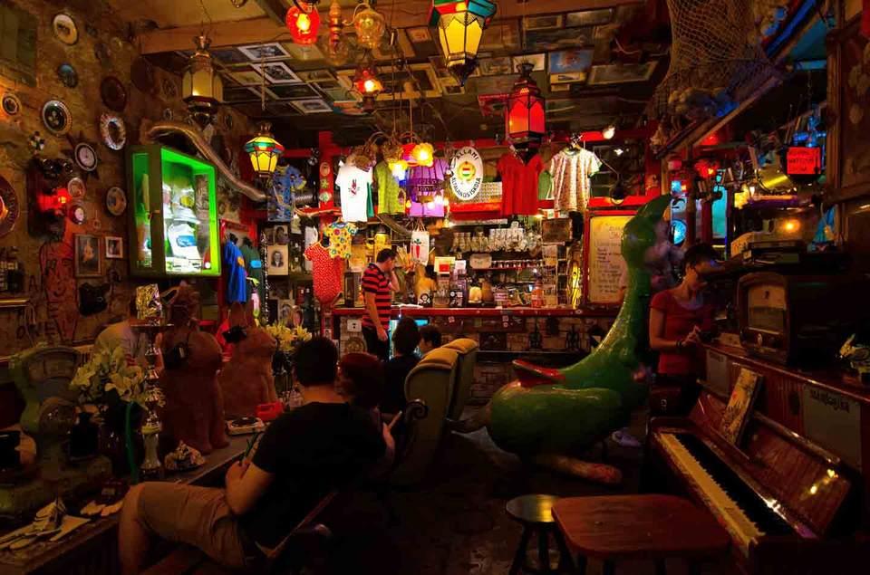 Inside Szimpla Kert a ruin bar in Budapest