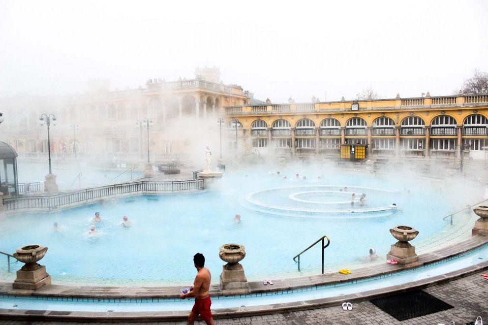 Széchenyi thermal bath budapest travel blog (1)