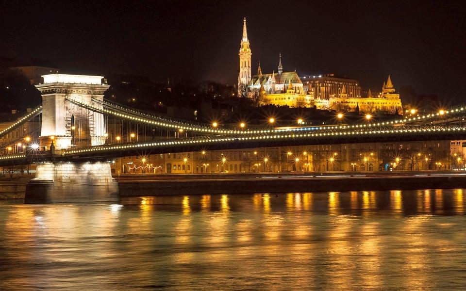 budapest-chain-bridge-1
