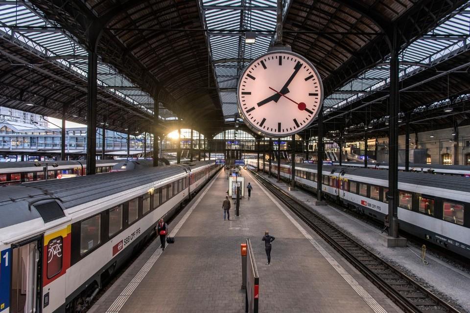 Lucerne Railway Station inside