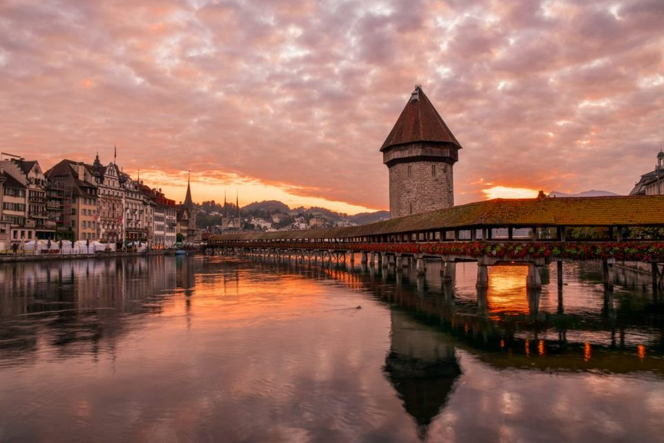 Wooden Chapel Bridge,lucerne travel blog (1)