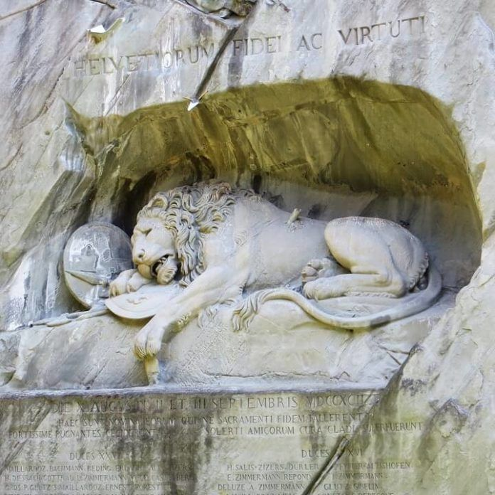lion monument luzern