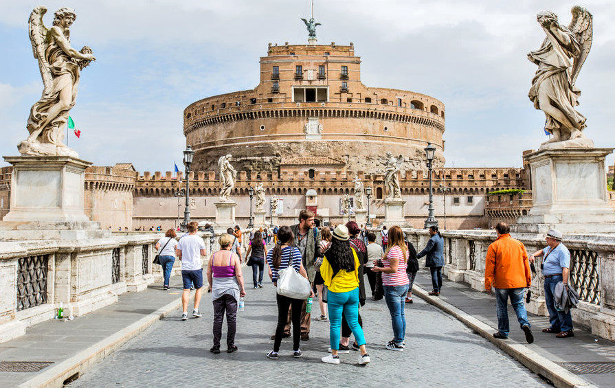 Castel Sant'Angelo and Ponte Sant'Angelo bridge