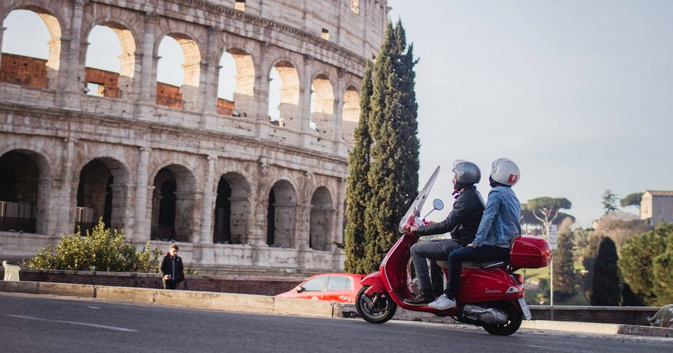 tour-of-rome-on-a-vespa-1