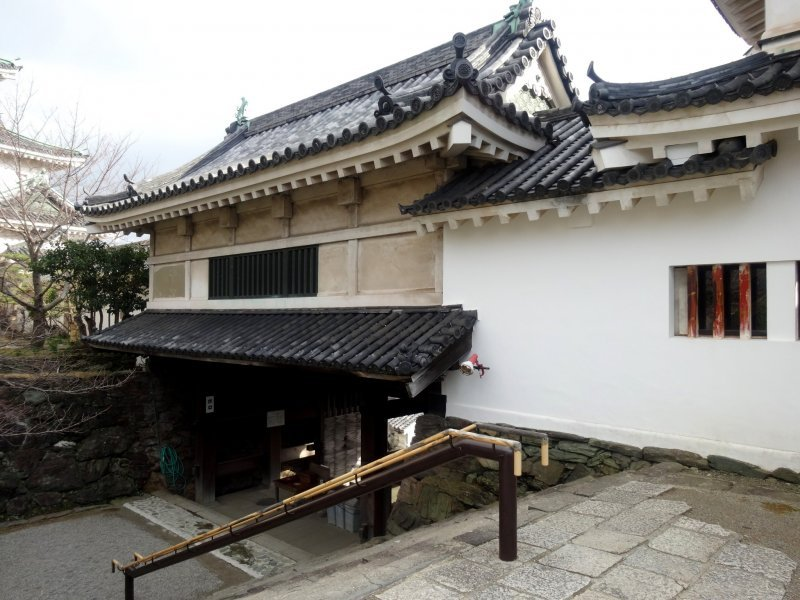 The main gate to the inner courtyard