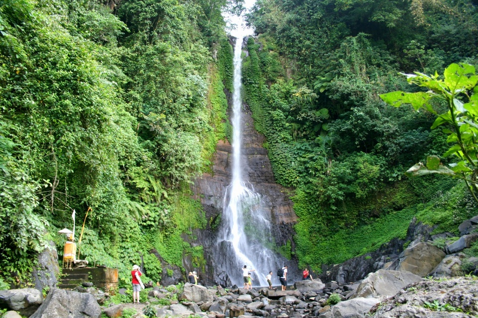 Gitgit Waterfall,best waterfalls in bali,most beautiful waterfalls in bali,bali best waterfalls,best waterfalls to visit in bali (1)