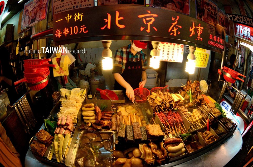 fengjia night market must eat,taichung fengjia night market,what to eat at fengjia night market taichung taiwan (1)