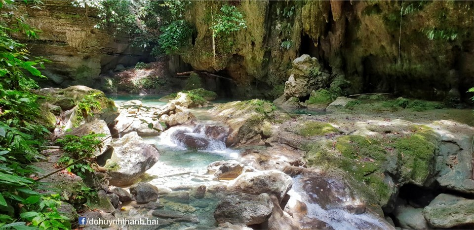 Kawasan Falls,3 days in cebu,cebu itinerary 3 days,cebu itinerary 3 days 2 nights,cebu trip itinerary,what to do in cebu for 3 days (1)
