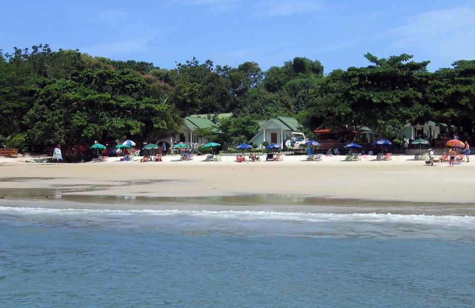 Beach_Sea_Breeze_Koh_Samet