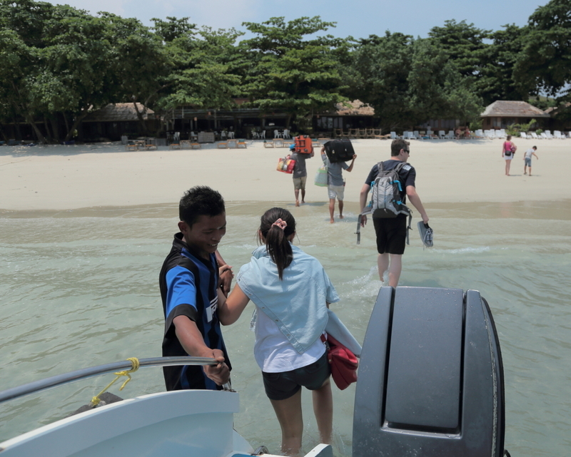Samet_speed-boat_beach