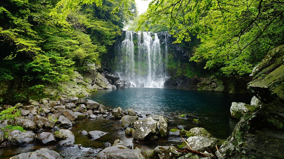 Cheonjeyeon Waterfalls,jeju day trip,jeju island trip blog,jeju itinerary blog,jeju one day trip,jeju trip itinerary,one day in jeju (1)
