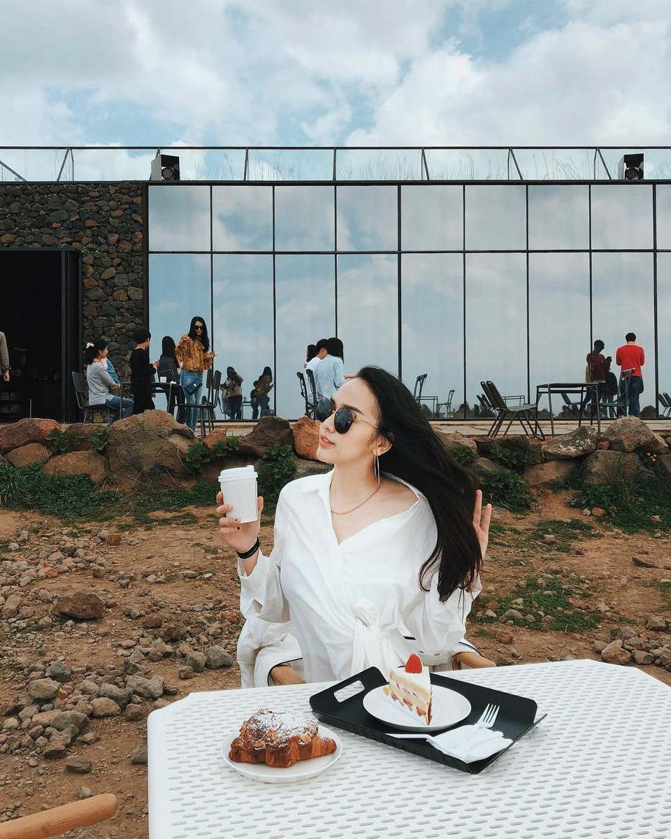 Cafe Aewol Monsant – GD coffee,4 days in jeju,jeju 4 days 3 nights itinerary,jeju 4d3n itinerary,jeju island itinerary,jeju itinerary 4 days (1)