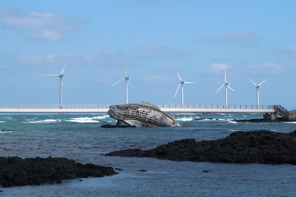 Sinchang Windmill Coastal Road,4 days in jeju,jeju 4 days 3 nights itinerary,jeju 4d3n itinerary,jeju island itinerary,jeju itinerary 4 days (3)