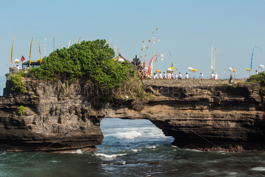 Arch Rock at Pura Batu Bolong Temple,canggu blog