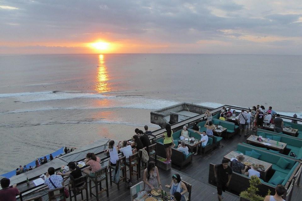 single fin bali,best beach club in uluwatu,uluwatu beach club,top beach clubs in uluwatu (1)