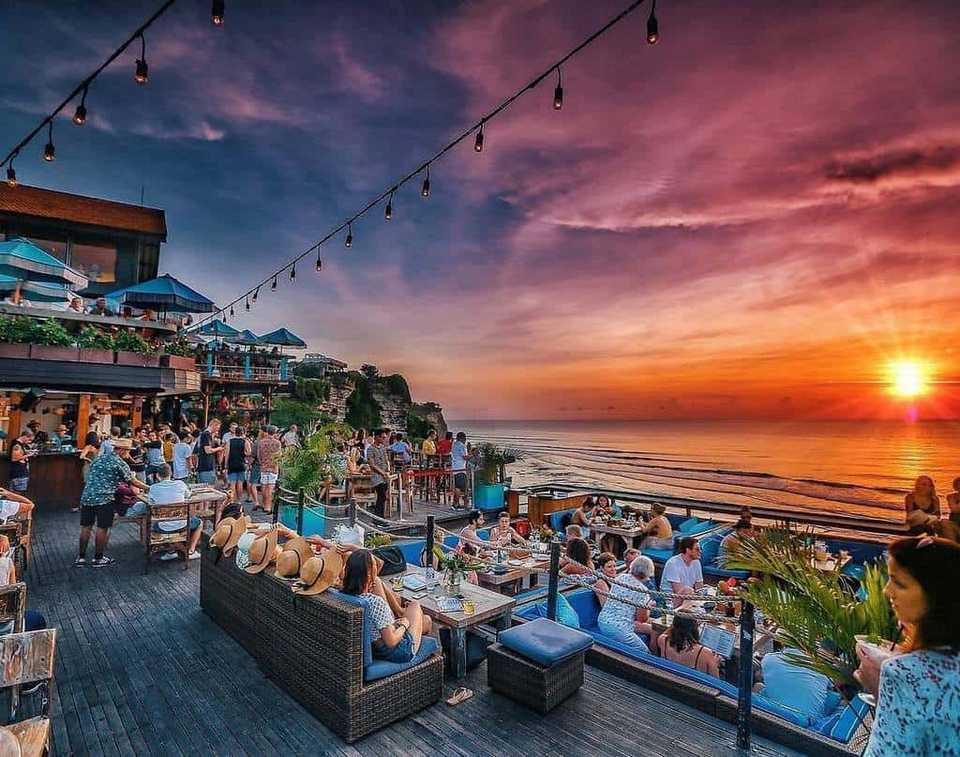 single fin bali,best beach club in uluwatu,uluwatu beach club,top beach clubs in uluwatu (1)