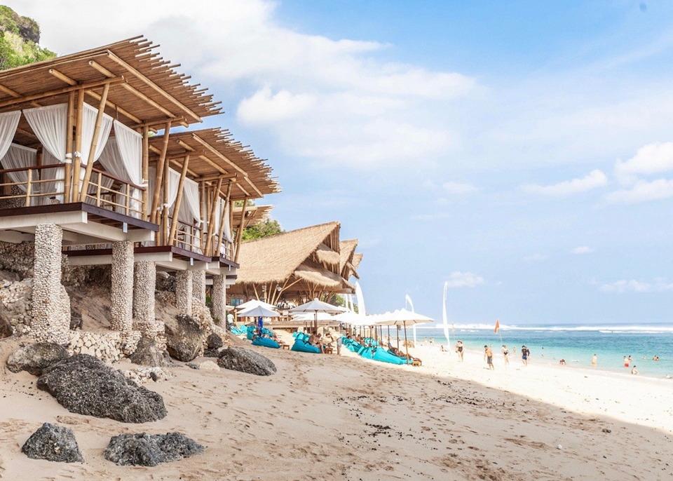 sundays beach club,best beach club in uluwatu,uluwatu beach club,top beach clubs in uluwatu (1)